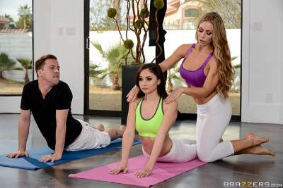 Yoga Freaks: Ariana Marie, Nicole Aniston