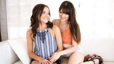 Alison Rey, Zoe Bloom Cousin Cums To Visit