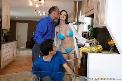 Erotic Pics Sheri vi threesome