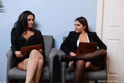 Battle of the Stockings Abby Lee Brazil, Valentina Nappi