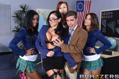 Audrey Bitoni – The Big Things in Life