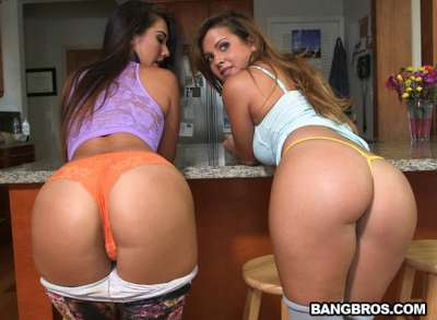 Lesbians With Big Butts!