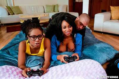 Anya Ivy, Kira Noir, Ebony Three Player Game