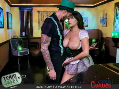 Cassidy Banks A Buxom St Paddys Bar Maiden