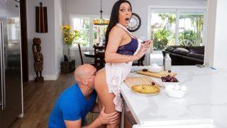 Kitchen Sex With Rachel Starr Brazzers
